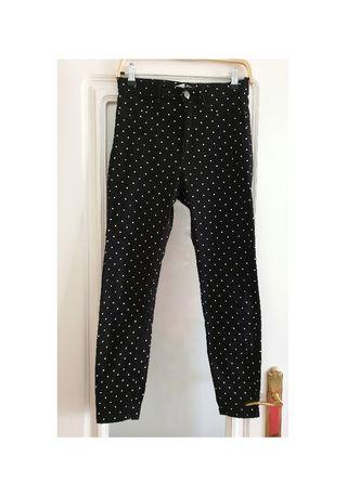 Pantalon negro con lunares