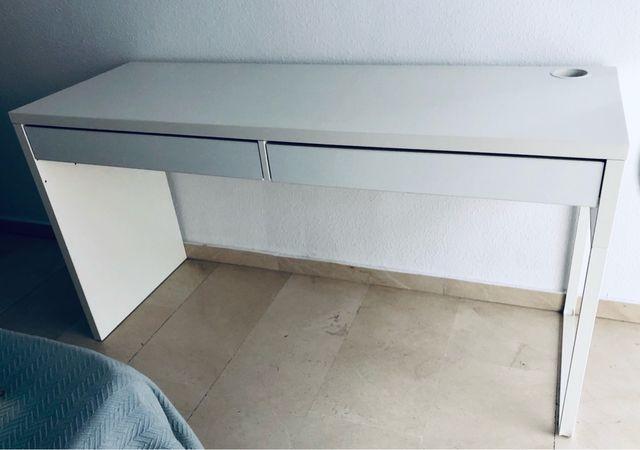 Escritorio IKEA modelo Micke