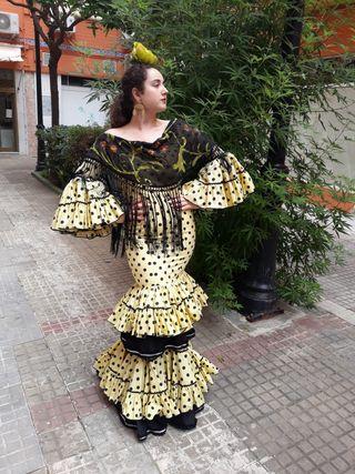 traje de flamenca suspiros de volantes