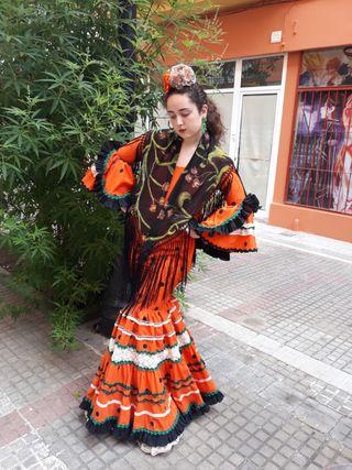 vestido de flamenca suspiros de volantes