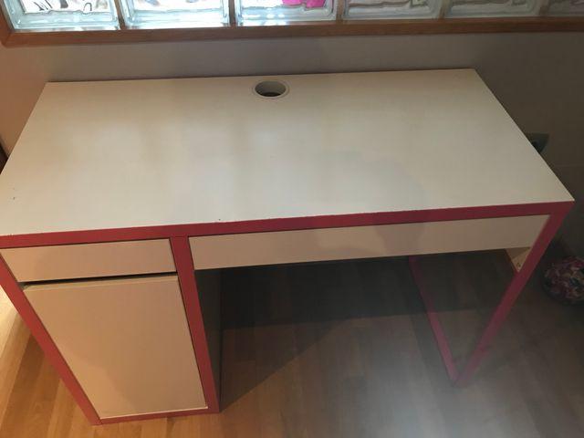 Escritorio MICKE de IKEA