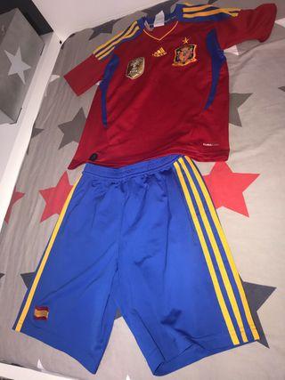 Equipación fútbol Adidas España, talla 9-10, 140cm