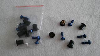 Tornillos para carenado moto azules