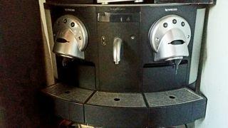 cafetera Nespresso profesional cápsulas CS 200 pro
