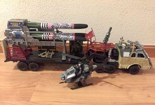 Camión de juguete militar