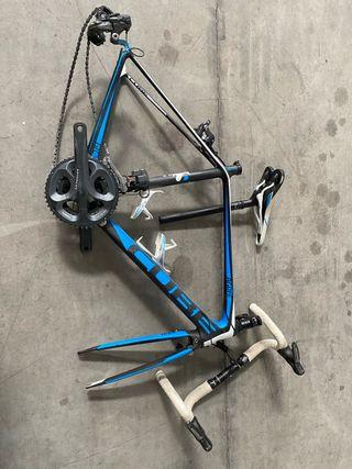 Cuadro carbono Bicicleta carretera Cube