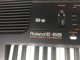 Piano teclado Roland E-68