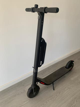 Patinete eléctrico scooter Segway batería externa