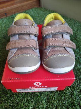 sneakers Garvalin talla 20