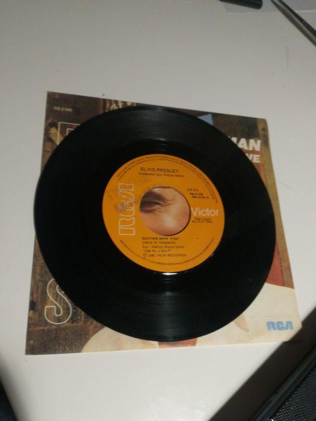 Elvis Presley guitar man single promocional