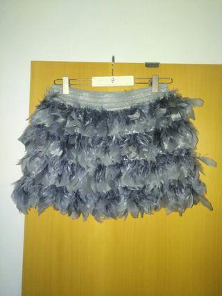 falda plumas de stradivarius,tallaS-M,preciosa,5€