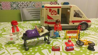 Ambulancia completa playmobil