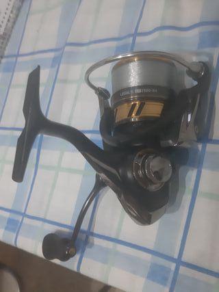 Vendo carrete pesca Daiwa legalis 2500 xh