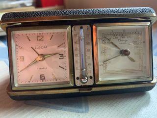 Reloj con estación meteorológica.