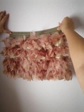 Falda talla 40 con plumas