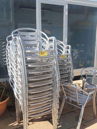 mesas redondas de aluminio