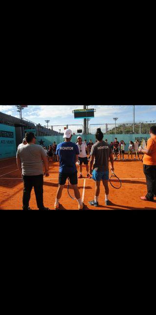 profesor de tenis