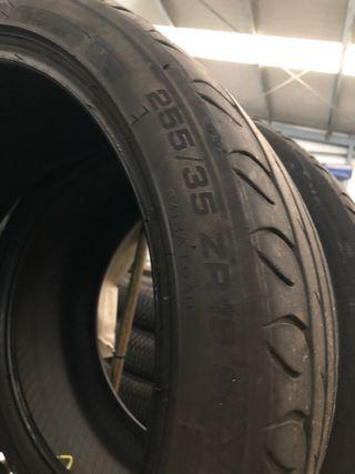 Neumáticos 255 35 19