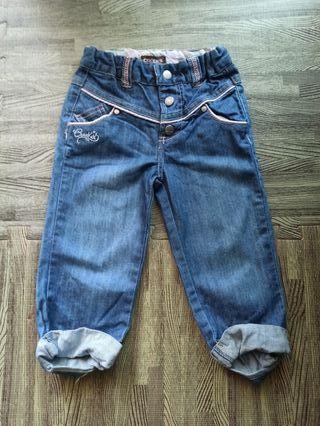 Pantalones tejanos para niña