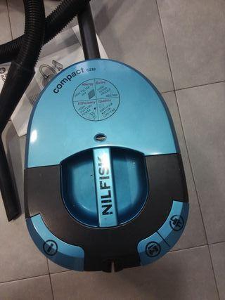 Aspirador Nilfisk con filtro Hepa y bolsa