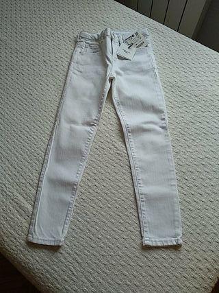 Pantalones blancos zara