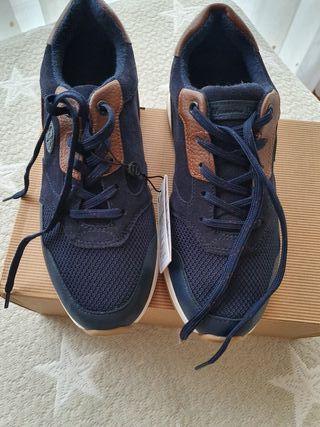 Zapatillas/bambas niño talla 37 NUEVAS