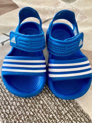 Sandalias chanclas Adidas t. 21