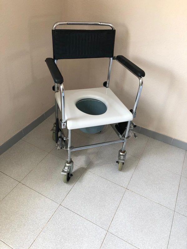 grúa discapacitado y silla de baño