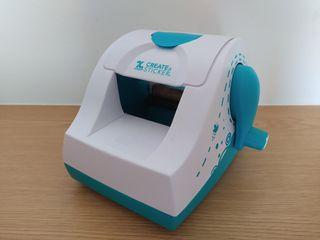 Maquina para crear pegatinas Xyon