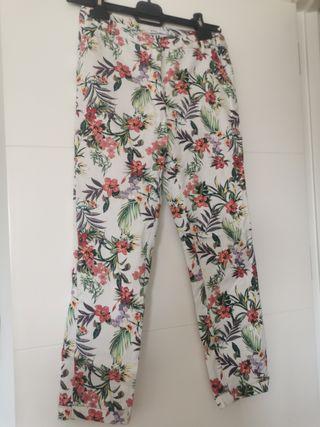 pantalón de flores de lefties