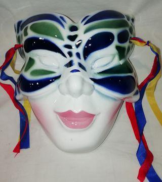Máscara de Porcelana