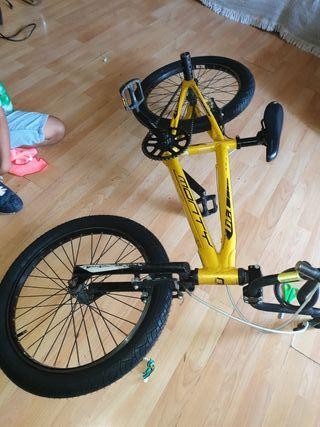 Bicicleta monty bmx