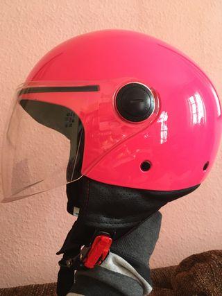 Casco Fucsia MT helmets