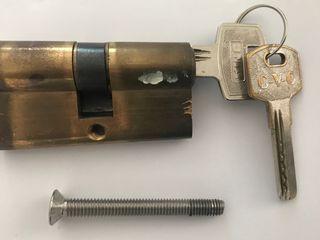 Cilindro cerradura seguridad CVC 25x25 latonado