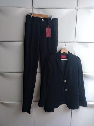 Traje de chaqueta/pantalón, marca Burberry