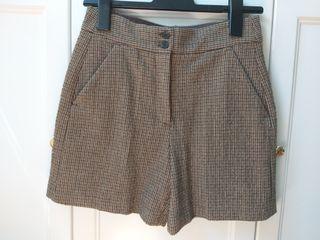 Pantalón corto cuadros Zara