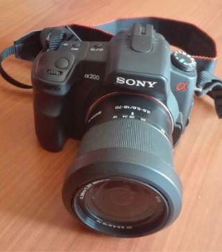 Cámara réflex Sony Alpha 200