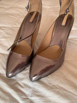 Venda de zapatos de tacón