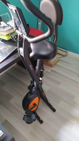 bicicleta estática con sillin