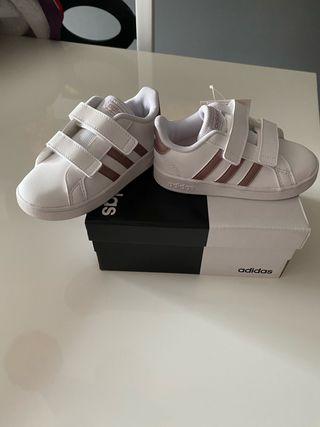 Zapatillas Adidas niña, Número 25, nuevas!!