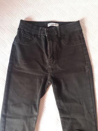 Pantalones negros talla 36 Pull and Bear