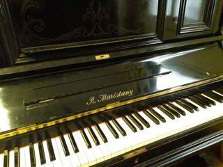 Piano Vertical totalmente restaurado