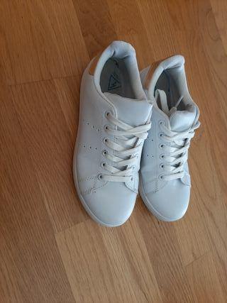 Zapatillas Blancas Condones Talla 36