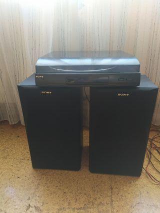 tocadiscos sony PS-LX56P + altavoces 50W + Vinilos