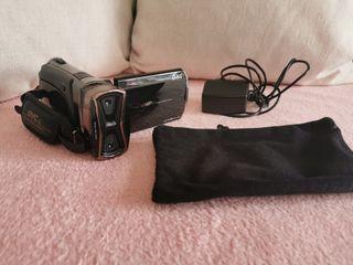 camara de video nueva 3D.....CON FUNDA Y CARGADOR