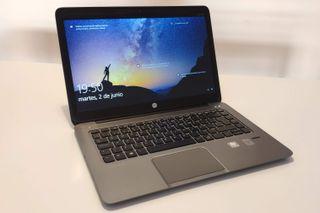 SEMINUEVO: Portatil HP - i7 - 8GB - 256GB