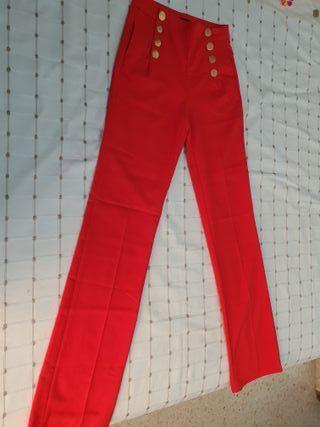 Pantalon rojo con botones talla S, 10€