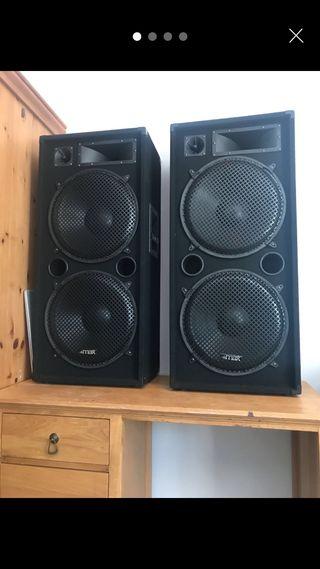 Professional DJ speakers