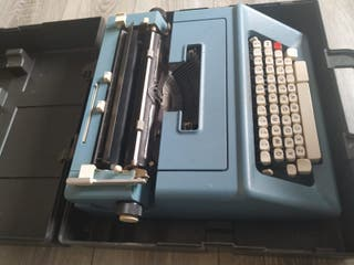 máquina de escribir antigua OLIVETTI STUDIO 46