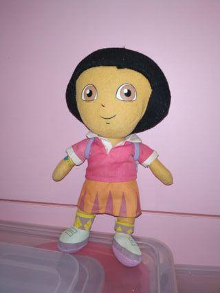 Peluche de Dora la exploradora.